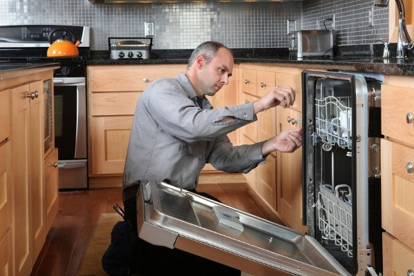 Appliance Repair: Hiring a Pro Vs Doing It on Your Own